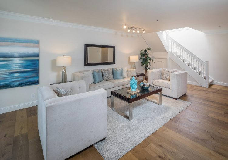 Beautifully Updated Townhouse In Old Palo Alto